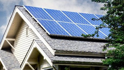 Read more about the article 10% off solar panel cleaning now until February 15th